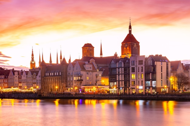 ポーランド、グダニスクの旧市街とモトワヴァ川