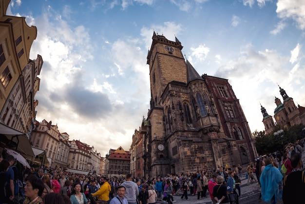 旧市街広場の旧市庁舎。プラハ、チェコ共和国。 2016年9月5日