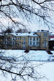 旧市街ランドスケープ建築冬