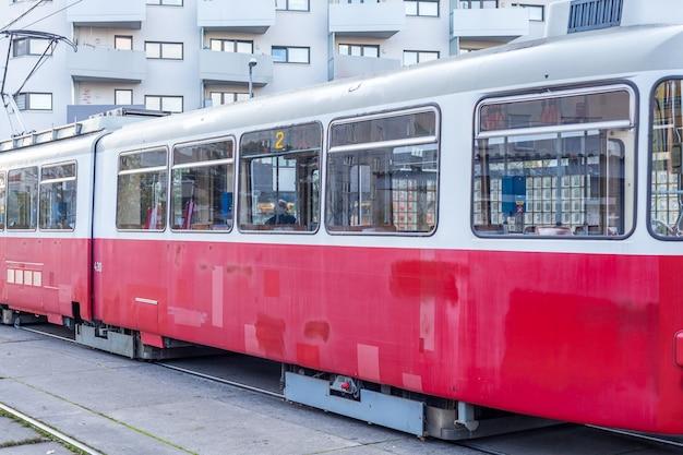 大都市の古い路面電車、公共交通機関