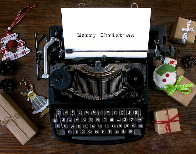 Old typewriter text merry christmas