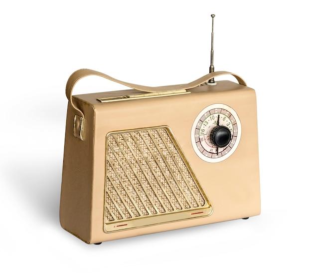 白で隔離の古いヴィンテージレトロスタイルのラジオ受信機