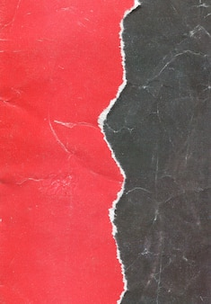 Старая винтажная рваная текстура красной бумаги