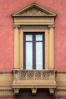시칠리아에서 오래 된 창