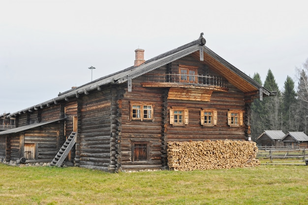 Old wooden house in russian village village of semyonkovo, vologda, russia