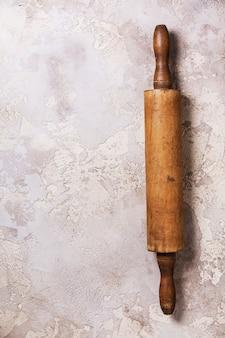 古い木製麺棒