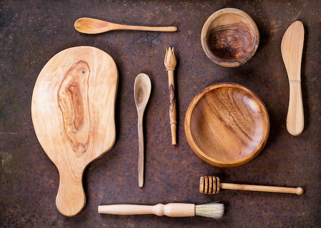 Olive wood cookware