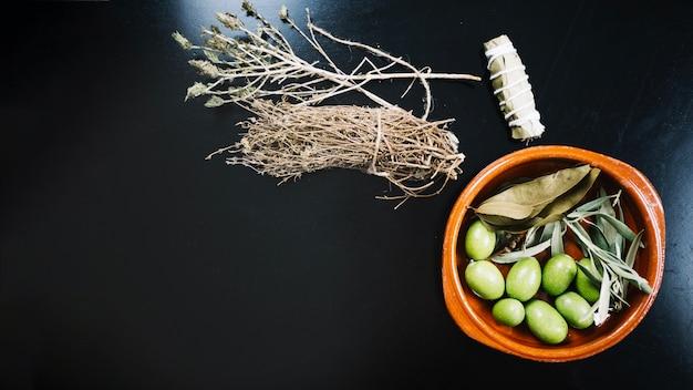 Olive ed erbe