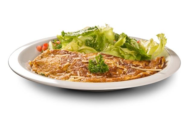 Омлет и салат.