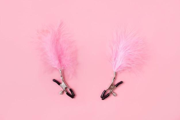 분홍색 벽 섹스 제품에 성인용 장난감
