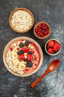 明暗の背景に朝食用健康シリアル