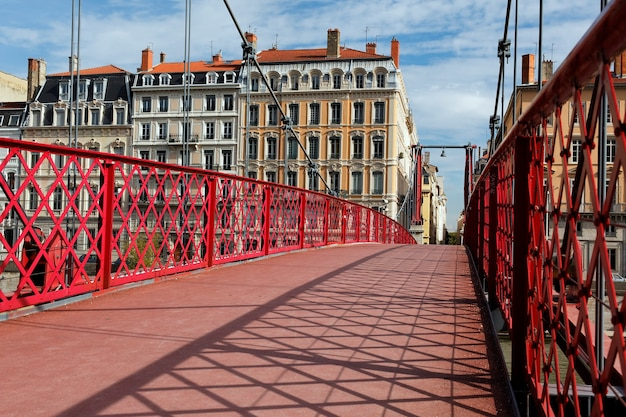 リヨンの赤い歩道橋 無料写真