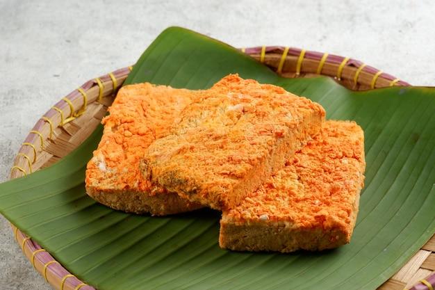 オンコムはインドネシア発祥の伝統的な食べ物ですオンコムは栄養価の高い食べ物です