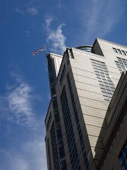 Одно здание на площади америки в лондонском сити