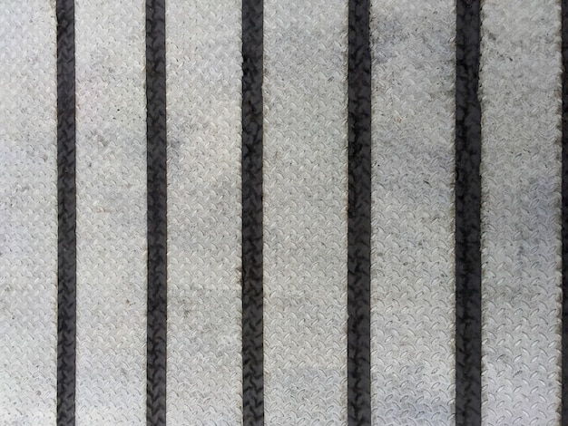 One-bar checkered plate with black striped tapes