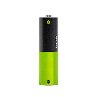 白い背景に分離された 1 つの黒と緑の単三電池