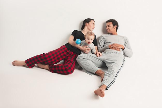 幸せな家族 無料写真