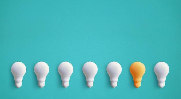Одна лампочка выдающаяся, светящаяся по-разному