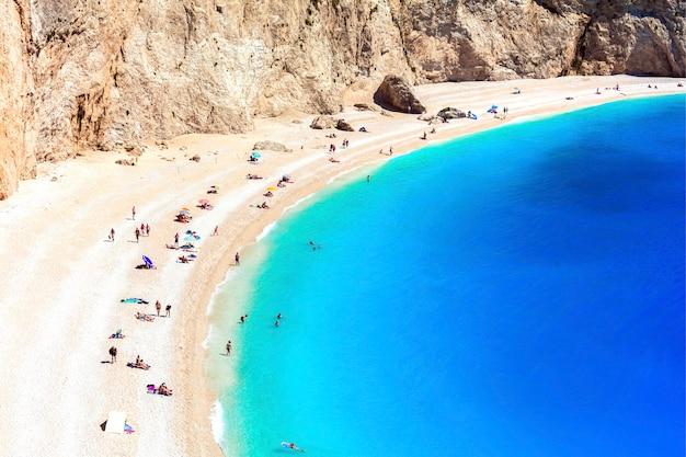 ギリシャで最も美しいビーチの1つ-レフカダ島のポルトカツィキイオニア諸島