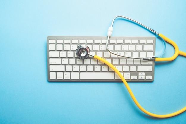 청진 기 키보드 평면도에 온라인 의사 개념 ..