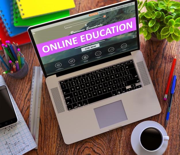 現代のラップトップ画面上のオンライン教育ウェブ。