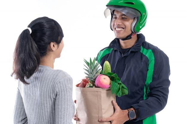 分離されたオンライン食料品の買い物