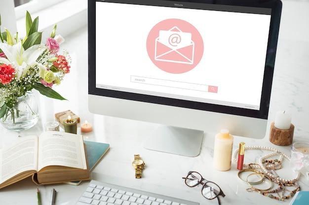 온라인 메시지 블로그 채팅 통신 봉투 그래픽 아이콘 개념