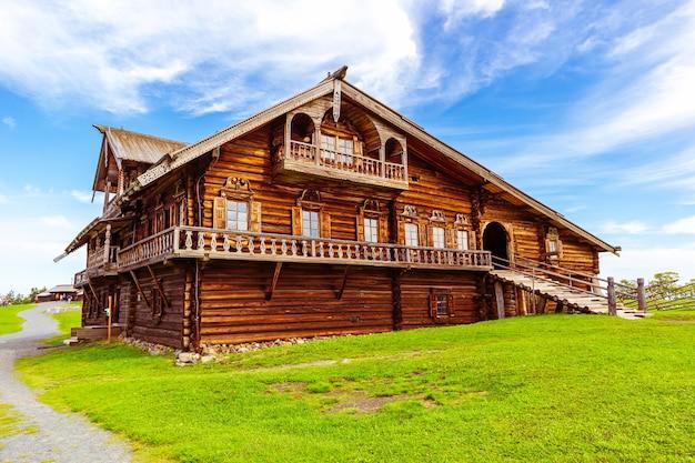 야외 박물관 kizhi pogost. 목조 건축의 기념물입니다. 러시아 카렐리야 키지 섬.