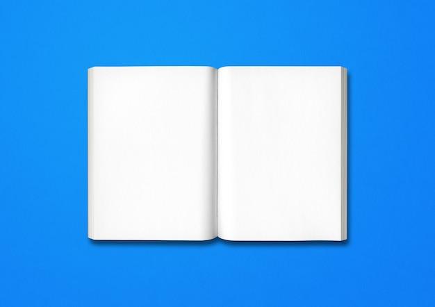 青いテーブルで隔離の開いた本