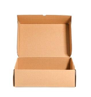 Открытая картонная коробка на белом