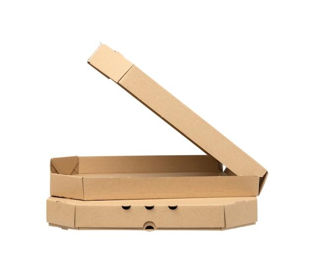 흰색 배경, 측면보기에 고립 된 오픈 빈 골 판지 갈색 사각형 상자