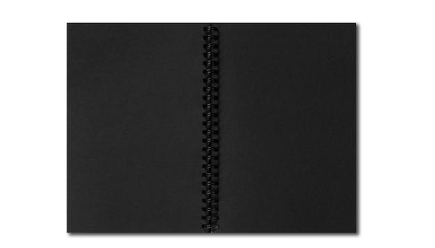 白い背景で隔離の空白のページでノートブックを開く