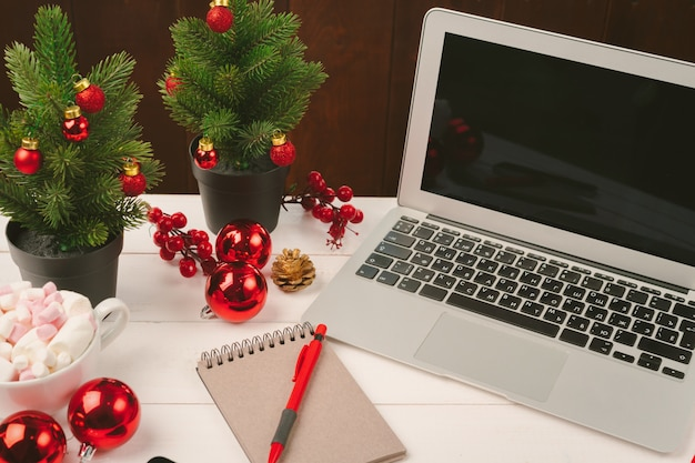 holiday office decorating ideas get smart workspaces.htm festive decor for home  office and restaurant  concept of  festive decor for home  office and