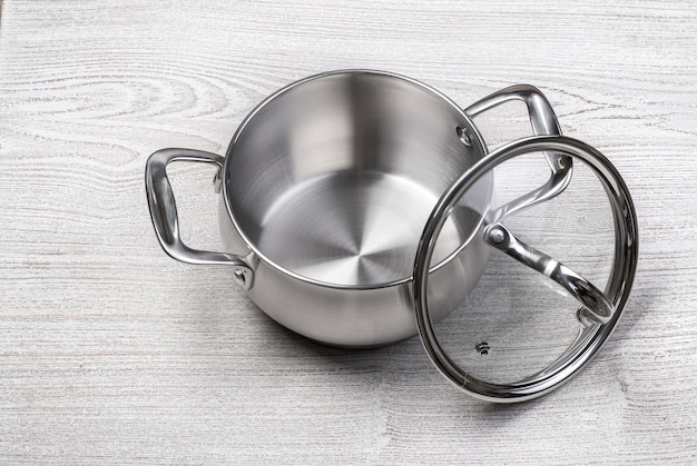 Open stainless steel cooking pot