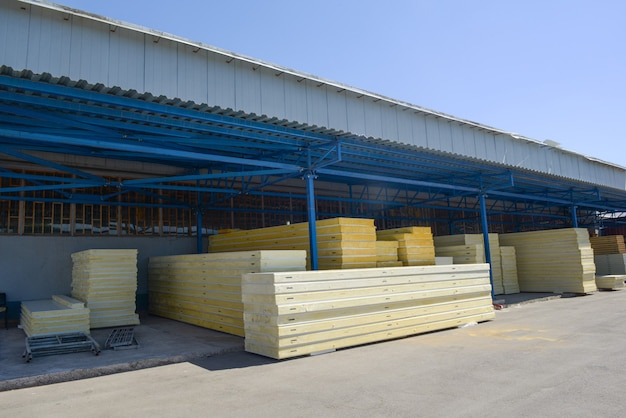 Open warehouse with sandwich panels with styrofoam
