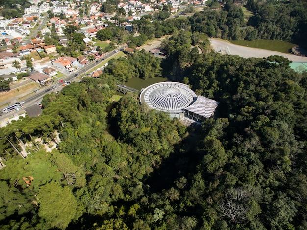 오페라 드 아라 메, 문화와 자연이 같은 곳, 브라질 파라나 주 쿠리티바시의 전통 관광지, 프리미엄 사진