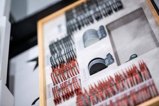 Офтальмологическое оборудование и приборы для измерения зрения. медицинская концепция