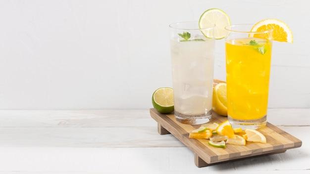 オレンジとレモンの飲み物