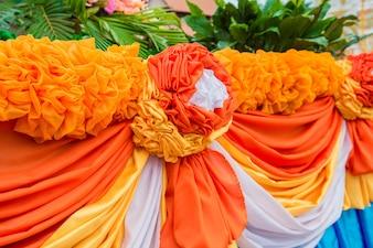 オレンジと白のカーテン花、テクスチャの背景を作った。