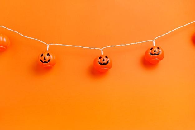 할로윈 장식 오렌지 배경입니다.