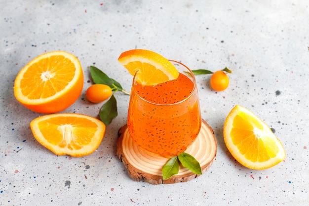Оранжевый напиток из семян базилика. Бесплатные Фотографии