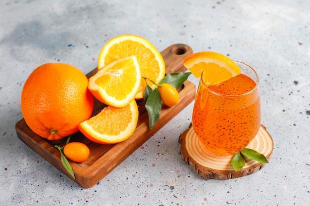オレンジバジルシードドリンク。