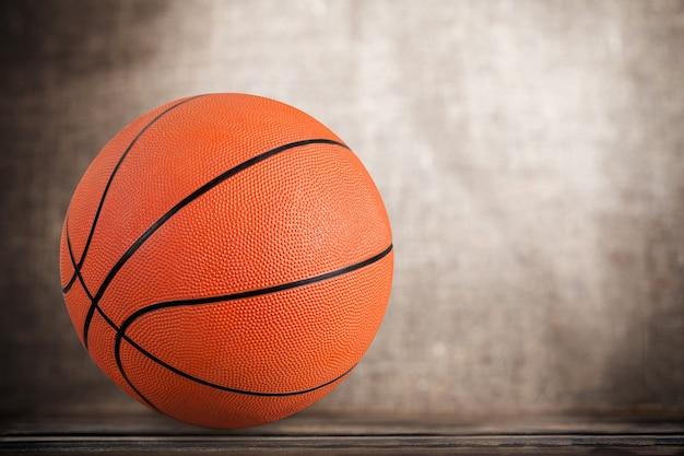 배경에 오렌지 농구 공