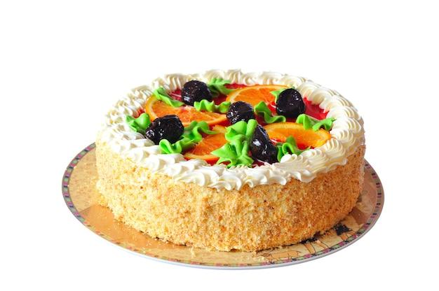 砂糖漬けのオレンジスライスで飾られたオレンジケーキ