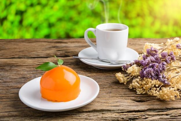 オレンジ、ケーキ、オレンジ、形、木製、テーブル、紅茶、お茶