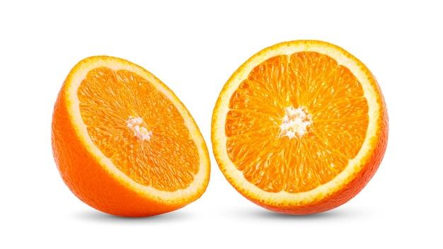 Оранжевый цитрусовый с листом, изолированным на белом