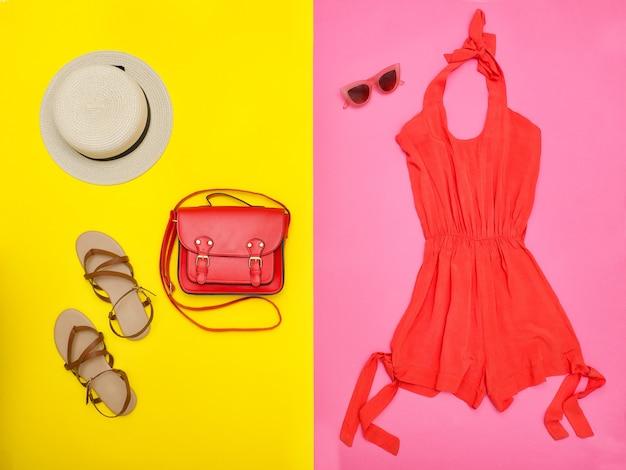 アクセサリー付きオレンジドレス
