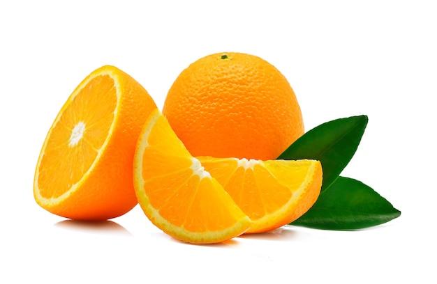 Оранжевый плод, изолированные на белом фоне