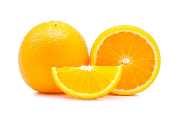 화이트에 오렌지 과일입니다.