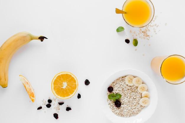 Orange juice with oats and banana